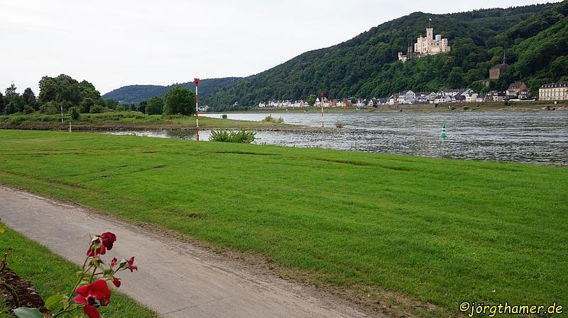 Hier muss die Lahn in den Rhein rein