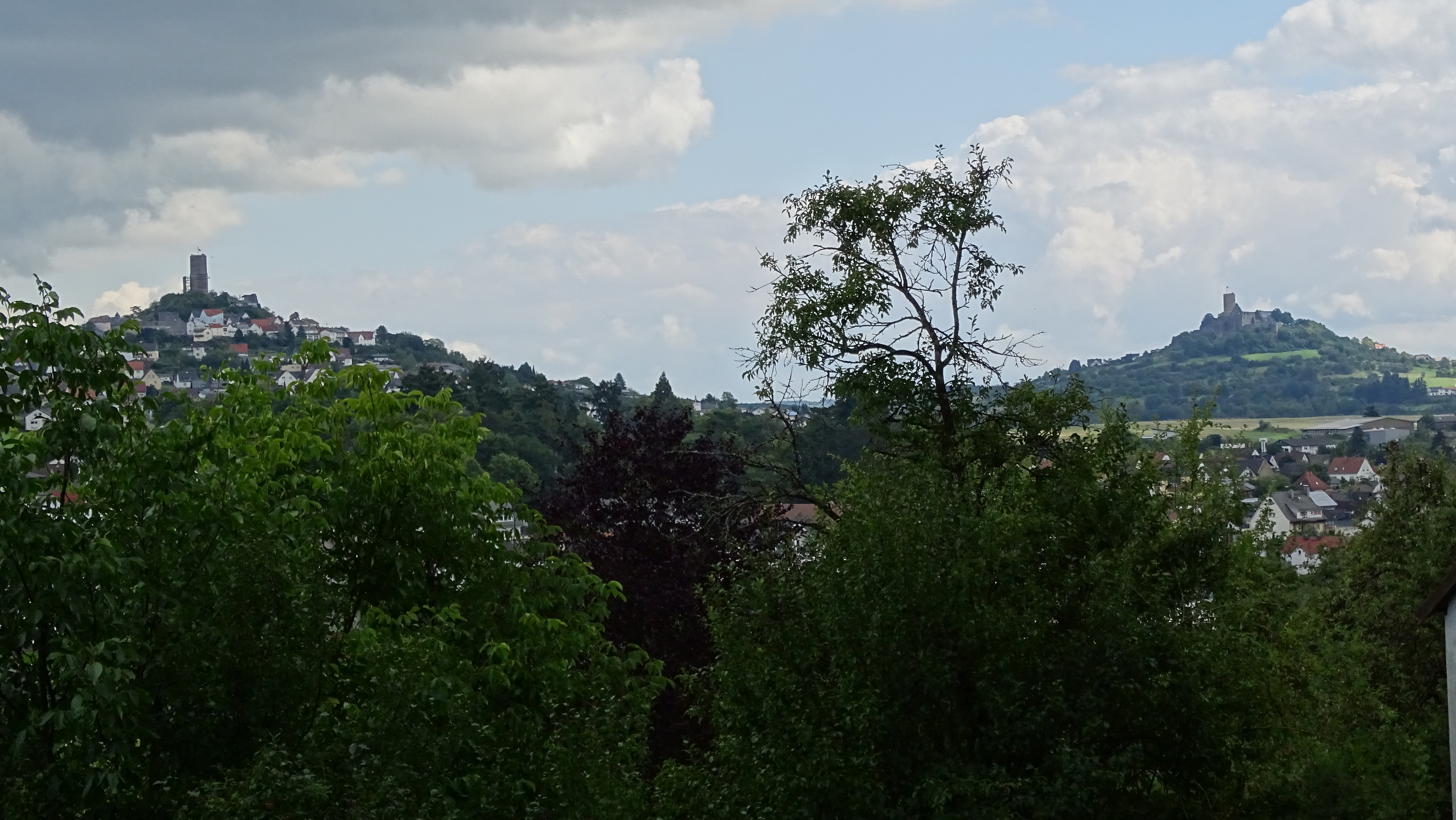 Lahnwanderweg - Burgenblick